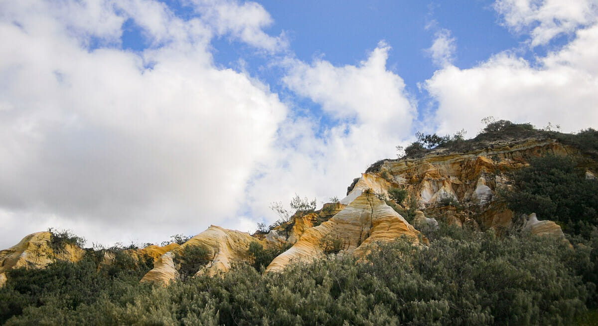 pinnacles fraser island sable